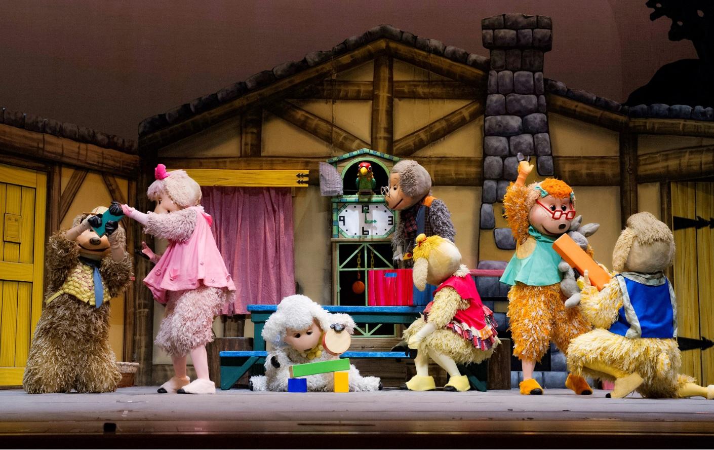 童歡藝術有限公司-日本飛行船劇團-七隻小羊與大野狼、共1張圖片